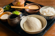 つくりたてだからこそ、大豆の香りと風味が際立つ『寄せ豆腐膳』