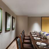 多彩なシーンにご利用いただける個室と宴会場を完備