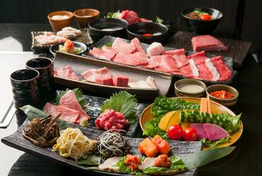 【飲み放題付】神戸牛上ロース&上カルビ、上塩タン、ホルモンなど、完全個室空間でごゆっくりとご堪能!