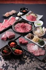 【飲み放題付】デザイナーズ完全個室で楽しむ神戸牛焼きすき、神戸牛特上ロース&特上ハラミ・ヘレ等