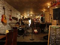本場韓国料理に、ライブや音楽もある楽しい空間を。