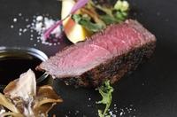 ・前菜 ・メイン 2種類、お魚料理又はお肉料理からチョイス