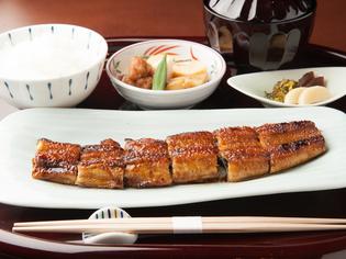 日本各地から中国産まで、最も脂ののった「鰻」を厳選