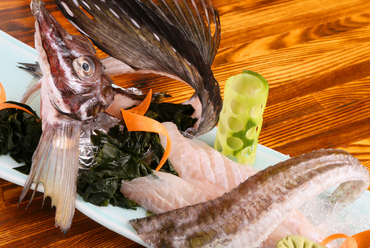 北海道の高級魚を贅沢に味わう『八角の姿造り』
