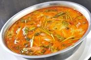 くせになる辛味と酸味が印象的な『トムヤムクン』