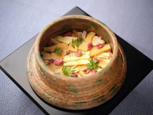 炊きたてのつやつやふっくらとしたご飯を楽しめる『土鍋ご飯』