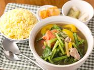 ヘルシーで女性からの人気が高い『日替わり飯』