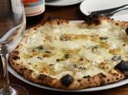 4種の個性的なチーズが一度に食べられる『クアトロ フォルマッジ』
