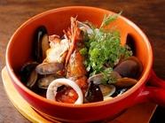 自家製魚貝のタルタルとフォッカッチャが食べ放題の『Mar Mareのチャージ』
