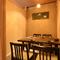 周りに気兼ねなく食事が楽しめる、落ち着いた雰囲気の完全個室