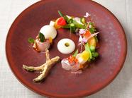フレッシュな甘みと食感に魅了される『小澤さん家のフルーツカブのプリン・ア・ラ・モード』