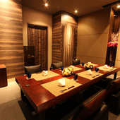 接待やおもてなしに相応しい、予約必須の掘りごたつ式VIP個室