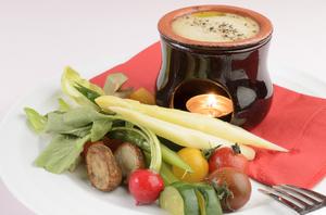 毎日仕入れるフレッシュ野菜をたっぷりと『新鮮野菜のバーニャカウダ』