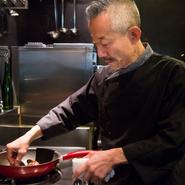 貴族社会が育んだフランス料理。その誇りは大切ですが、レストランはより身近で、より楽しい場であって欲しい。そのためにお客様の目線で料理やサービスを工夫しています。