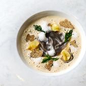 """2種のドレッシングとウニのソースで味わう『オマール海老と野菜のガトー仕立て""""コート・ドール風""""』"""