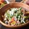 小エビや新鮮野菜たっぷり『シーザーサラダ』