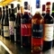 自然派ワイン初心者も安心。スタッフがセレクトしてくれます