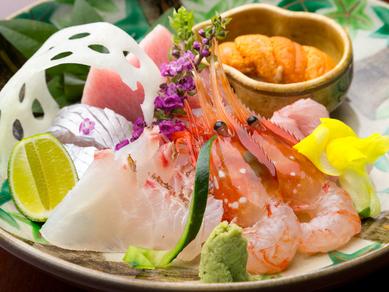 瀬戸内の海の恵みを一皿で満喫できる『お造り盛り合わせ』