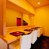 洗練された日本料理を味わう、落ち着いた大人の空間