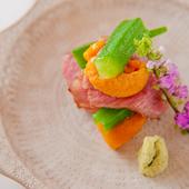 上質な素材を活かして仕上げた、四季を感じる日本料理