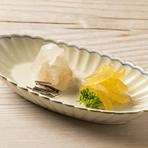 魚の旨味を存分に引き出した『平目の昆布〆と味噌漬け』