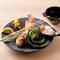 彩り豊かな旬の食材を楽しめる八寸と共に、季節ごとの御膳をご堪能ください。