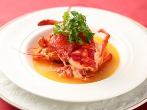 鴨とフォアグラの旨みを凝縮した『仔ガモのファルス ジャガイモのガレット添え フルーツビネガー風味』