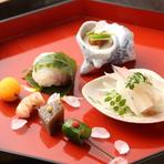 料理に使用するのは、地産地消を大切に選りすぐられた、地元産を中心とした食材。魚は淡路、神戸、明石の魚介類、野菜も地のものを中心に使用されています。盛り付けも美しく、目でも楽しめる逸品揃いです。