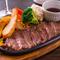 鉄皿ビーフカットステーキ(150g)(ライス・スープ・サラダ付きセット/1580円)