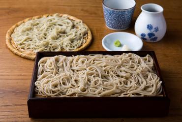 きき蕎麦(二種類の異なるもりそば)