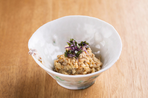 在来大豆の甘みと上質な出汁の風味が活きる『おから煮』は酒の肴にも最適