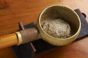 豊かな蕎麦の香りと穀物らしい旨みが迫り来る『そばがき』