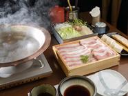 豚の旨みを存分に味わう『沖縄産 黒豚アグーしゃぶしゃぶ』