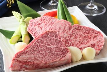 九州熊本産の黒毛和牛プレミアム和王を使用しております。