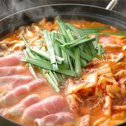 体を芯から温めてくれるチゲ鍋は冬の時期にはぴったり!