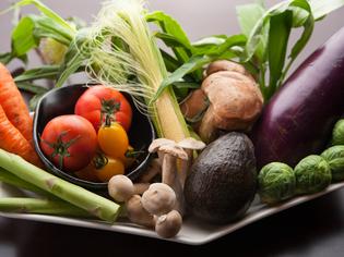 京野菜や、加賀野菜をはじめとする、旬の野菜を全国から