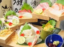 新鮮そのものを堪能できる『各地の鮮魚お造り3種盛り合わせ』