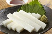 ピリッとした辛さが食欲をそそり、やみつきになる料理。セリに使用される魚は日替わりで内容は変わります。