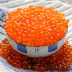 キャビア・トリュフ・フォアグラを握り寿司で〈フォアグラ×いくら〉〈本鮪×トリュフ〉〈キャビア×ウニ×鯛〉
