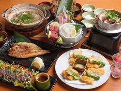 北海道直送の上質な生うにを惜しみなく使用し、和食の匠が出汁から拘ったうにスープで鮮魚をしゃぶしゃぶ