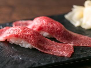 A5神戸牛や黒毛和牛、フォアグラの肉寿司