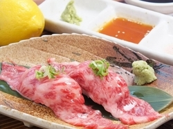 ★和牛寿司を含めた全10品♪ ★プラス1500円で飲み放題(90分)に変更可能♪