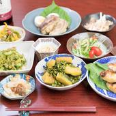 栄養満点な島野菜がたっぷりの健康メニュー