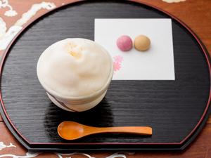 お米の香ばしい香りも楽しめる泡を食べるような新感覚の沖縄宮廷茶『ぶくぶく茶』