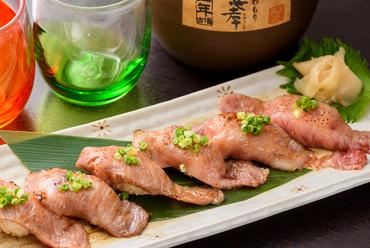 特製タレでうま味アップのイチオシ料理『石垣牛の炙り寿司』(6貫)