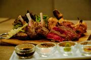 馬肉は刺身だけではありません。 低脂肪低カロリー、なのにしっとりで甘みのあるお肉です。臭みなどなくリピーターさん続出中です