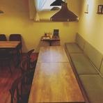 団体さんにおすすめのテーブル席は、最大10名まで利用可能