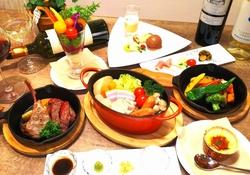 十勝ハーブ牛のステーキとラムのグリル、田舎鶏のポトフの楽しめる贅沢コースです。 5000円⇒4500円