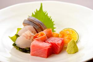ネタは全て天然もののみ 寿司だけでなく『お造り』でも
