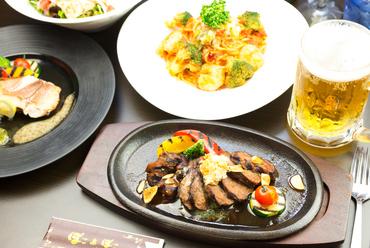 丁寧につくられた豊富な種類の料理が食べ放題で楽しめる